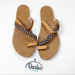 Mossimo Leather Toe Ring Flip Flop Sandals D3497